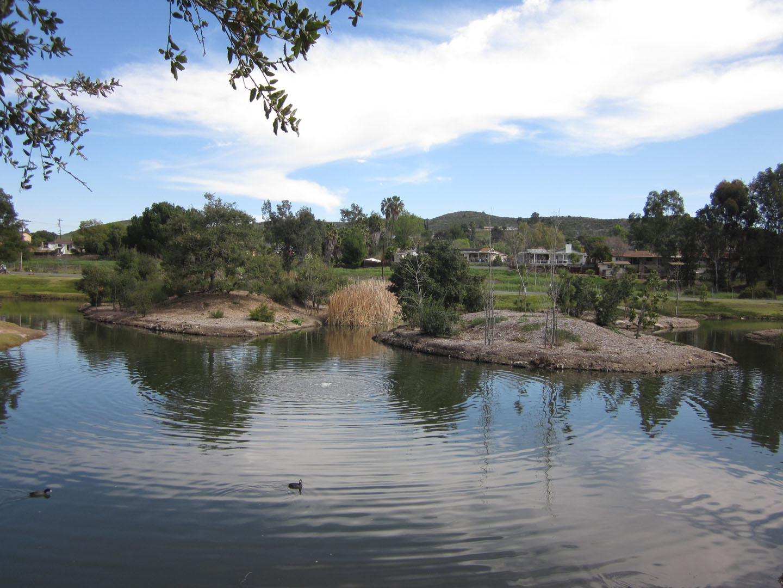 Santee Lakes9